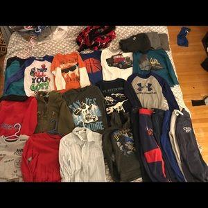 Boys 4t clothing lot shirts pants